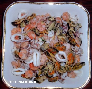 Необходимые продукты: Замороженный Коктейль из Морепродуктов(креветки...