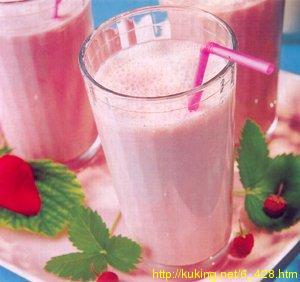 Рецепт Коктейль из клубники с молоком.