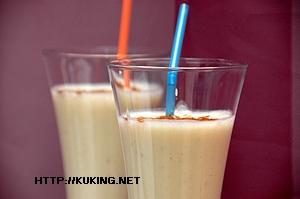 Рецепт Бананово-молочный коктейль с корицей.