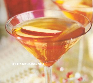 На 2 порции рецепта коктейля Яблочный пряный мартини: 100мл водки, 200мл...