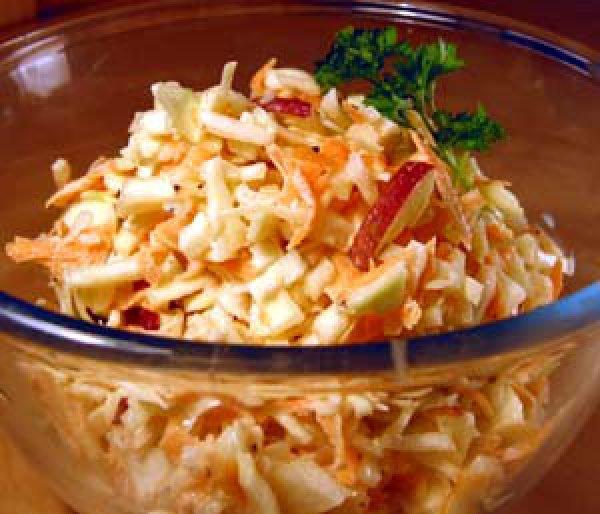 Салат капуста с яблоками рецепт
