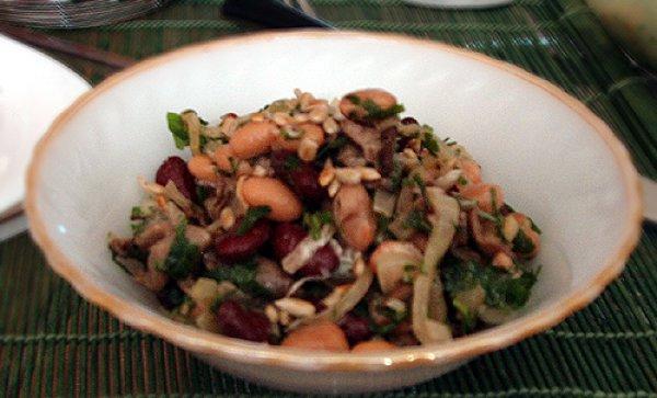 Салат из фасоли с грибами рецепт с очень вкусный с