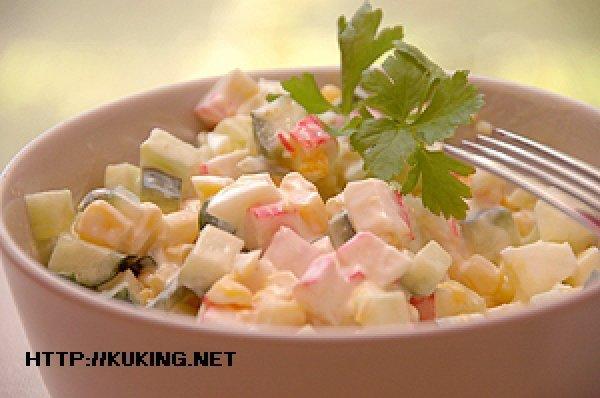 салат с кукурузой с овощами