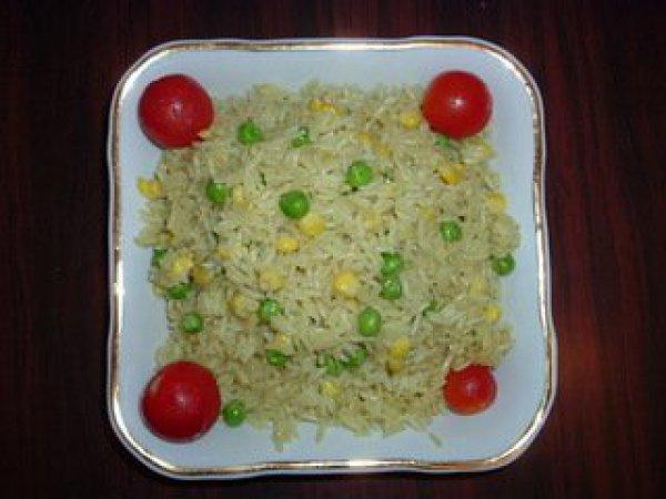 Рис с консервированным горошком и кукурузой рецепт