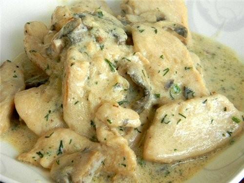 куриные грудки в духовке в сметанном соусе